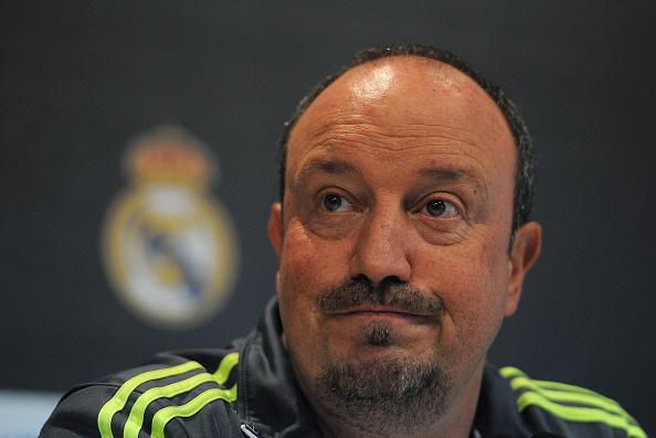 Rafa Benitez chưa mất ghế bất chấp thành tích bết bát của Real Madrid.