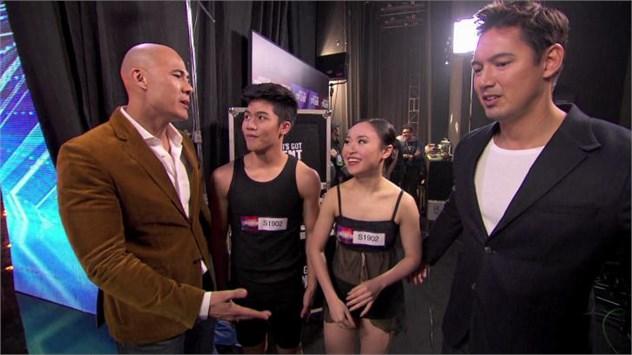 Tiết mục của 2 thí sinh người Singapore đã khiến các giám khảo tranh cãi