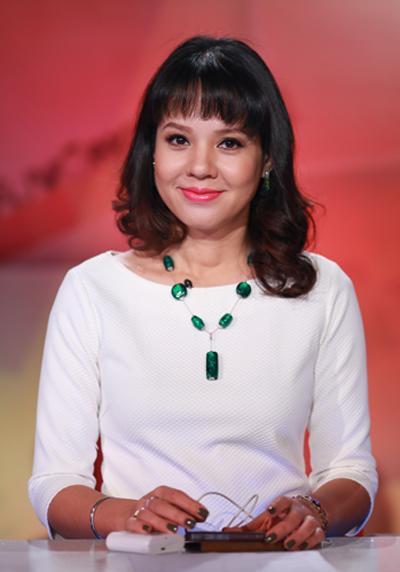 Nhà báo Diễm Quỳnh hào hứng lần đầu làm MC Lễ trao giải Cống hiến - Ảnh 1.