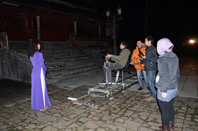 Ekip Ngày trở về ghi hình tại Đại nội Huế để tái hiện Đêm hoàng cung