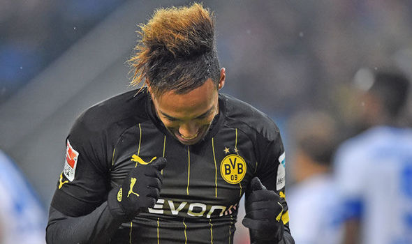 Emerick Aubameyang đang là chân sút số 1 tại Bundesliga