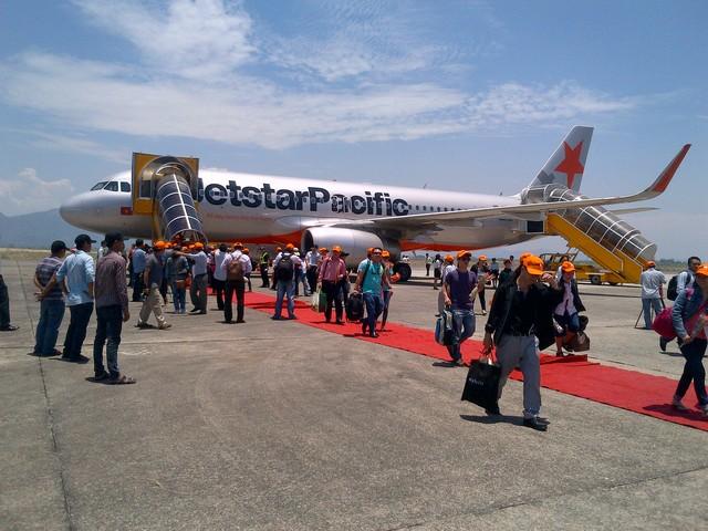Jetstar Pacific thực hiện đợt bán vé siêu rẻ chỉ từ 30 nghìn đồng/chặng trên 3 đường bay mới và nhiều đường bay nội địa khác. (Ảnh: Thanh niên)