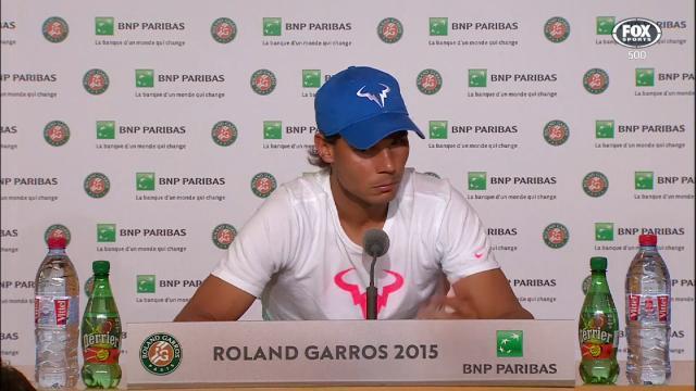 Nadal trả lời báo chí sau trận đấu mở màn (Ảnh: Sky Sport)