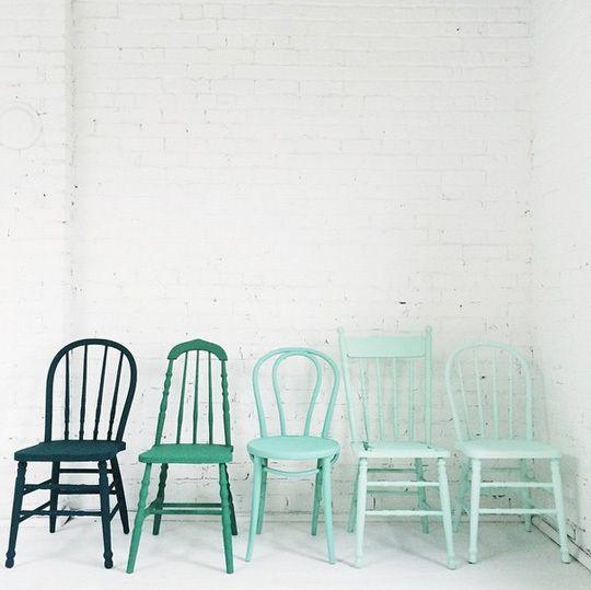Sơn ghế ăn theo phong cách ombre ấn tượng