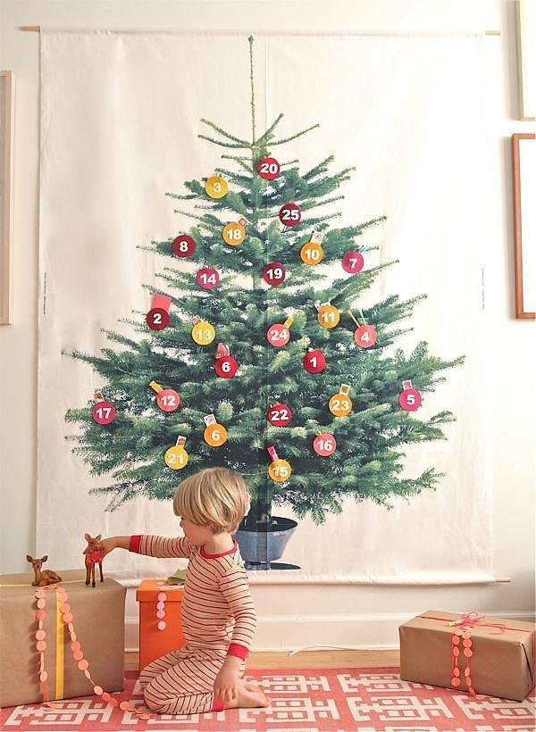 Nhìn thoáng quá, hẳn bạn sẽ không nhận ra cây thông này thực chất là một bức tranh.