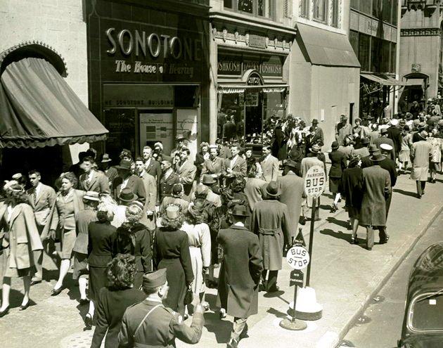 Giờ cao điểm trên Đại lộ số 5 năm 1950.