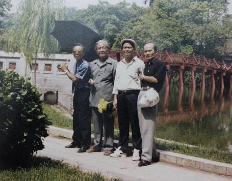 """Bộ tứ diễn viên trong """"Hoàng hôn xanh"""" (từ trái qua phải: nghệ sĩ Văn Hiệp, Lê Thế Tục, Khôi Nguyên, Phạm Bằng)"""