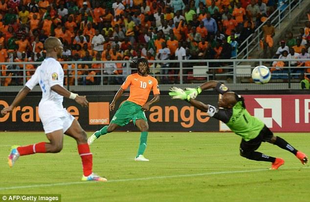Gervinho ghi bàn thứ hai trong trận bán kết CAN 2015 trước khi Kanon ấn định thắng lợi chung cuộc trong trận bán kết.