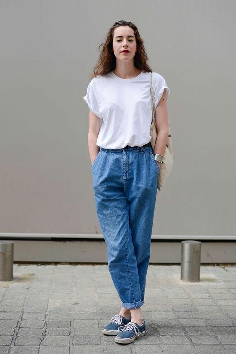 Áo phông và quần boyfriend cũng là trang phục kết hợp dễ dàng với kiểu giày này.