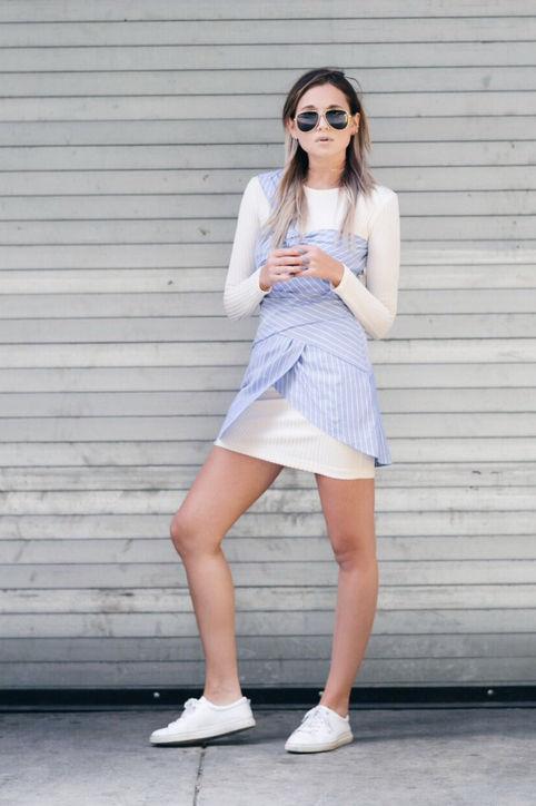 Những kiểu váy liền ngắn kết hợp với giày vừa giúp các bạn nữ trở nên quyến rũ vừa tinh nghịch.