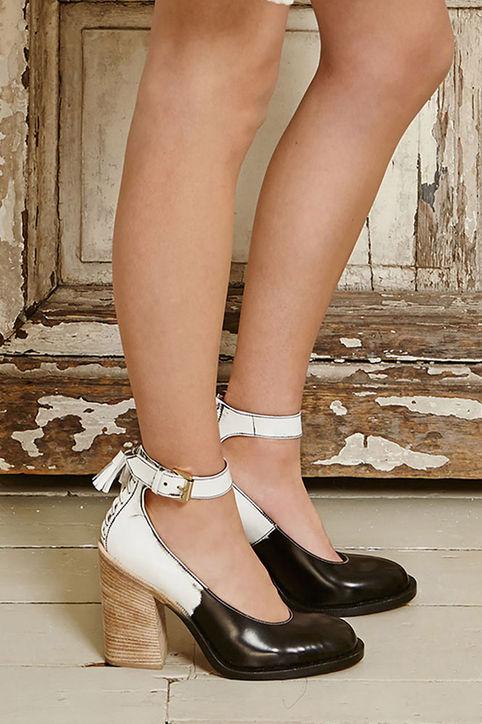 Mẫu giầy cao gót mới của Mulberry.