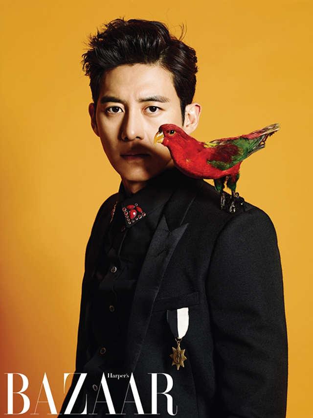 Sở hữu đôi mắt đượm buồn, tài tử Go Soo luôn là sự lựa chọn thích hợp đối với các vai diễn có diễn biến tâm lý phức tạp. Anh cũng được coi là một trong những mỹ nam tài năng nhất làng điện ảnh Hàn Quốc
