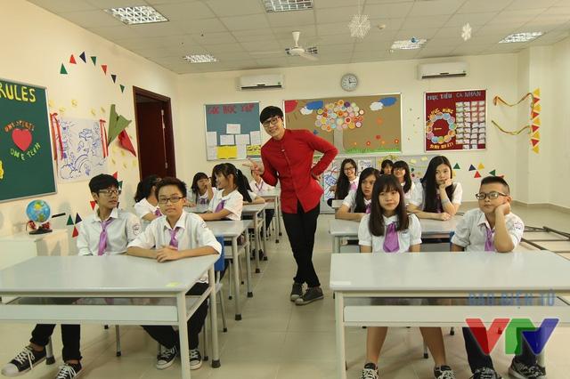 Beatboxer Minh Kiên trong một buổi ghi hình Học lịch sử thật tuyệt