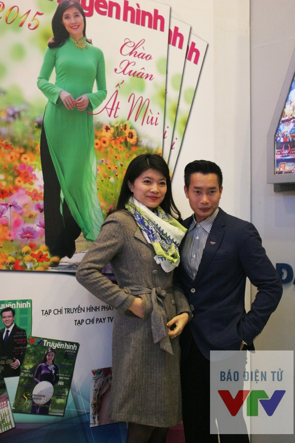 MC Thanh Tùng và gương mặt dẫn dắt quen thuộc của chương trình Thời sự trên sóng truyền hình.
