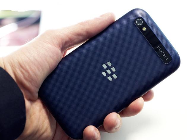 BlackBerry Classic phiên bản màu xanh lam