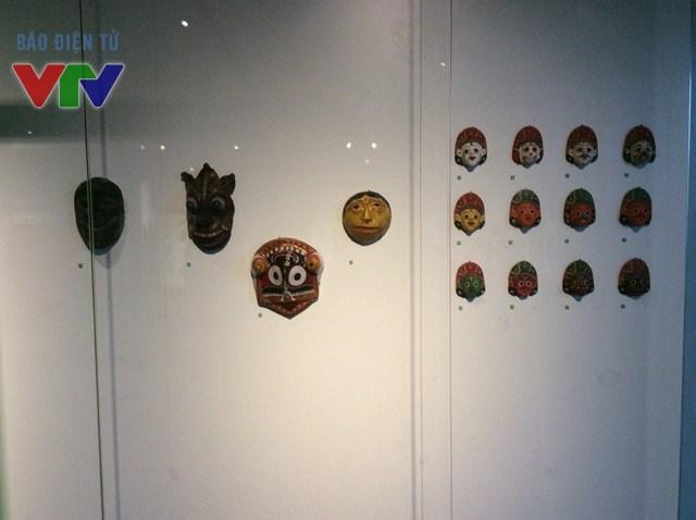 Những hiện vật trong bộ sưu tập Giáo sư Giáo sư Kaneko Kazushige hiến tặng.