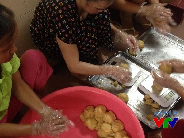 Hương vị của bánh trung thu Bảo Phương luôn khác xa với bánh trung thu của các công ty hiện nay.