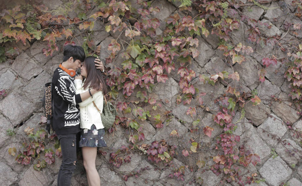Linh và Junsu được coi là cặp đôi đẹp nhất trên màn ảnh Việt trong năm vừa qua.