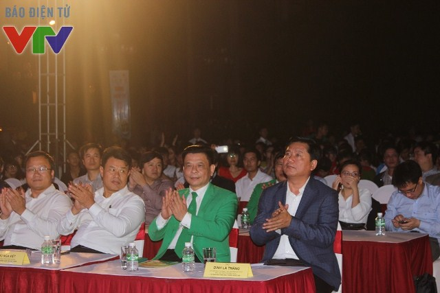 Bộ trưởng Bộ Giao thông vận tải Đinh La Thăng đếm tham dự chương trình Kết nối cộng đồng - Vì an toàn giao thông cùng các bạn trẻ