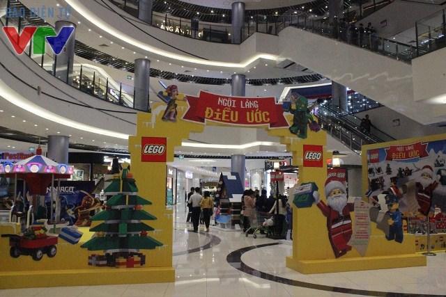 Ngôi làng điều ước LEGO được tổ chức tại Sảnh Trung tâm tầng 1 của AEON MALL Long Biên
