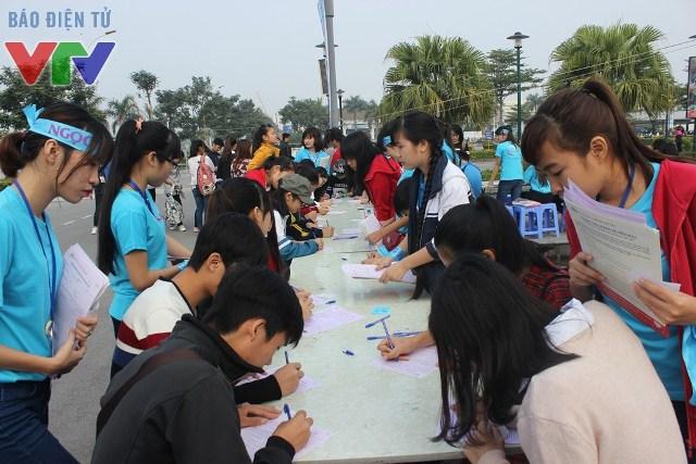 Hàng ngàn lượt người đến hiến máu nhân đạo trong ngày hội