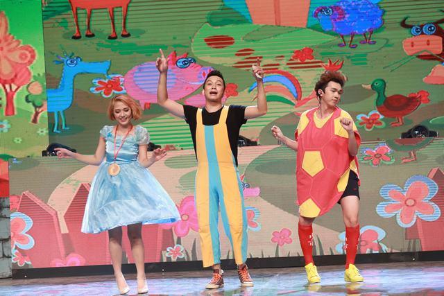 Những biểu cảm đáng yêu của bạn Bóng nhựa Quốc Minh (trái), bạn Bút chì Quang Vinh (giữa) và cô bé Alice Trang Cherry