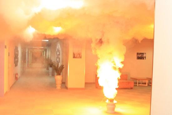 Tình huống giả định được đặt ra: có một đám cháy xảy ra tại tầng 3 khu vực Trung tâm KTSXCT