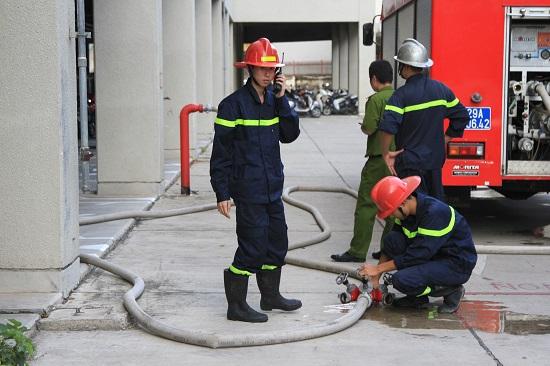 Lắp đường ống nước để chữa cháy