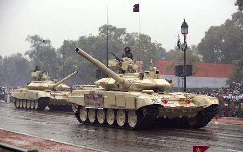 Lính tăng thiết giáp Ấn Độ trình diễn (ảnh: AP)