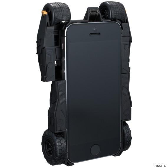 Batmobile là phụ kiện không thể thiếu đối người dùng iPhone là fan ruột của siêu anh hùng Batman