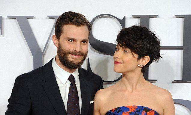 Amelia ủng hộ chồng đóng bộ phim.