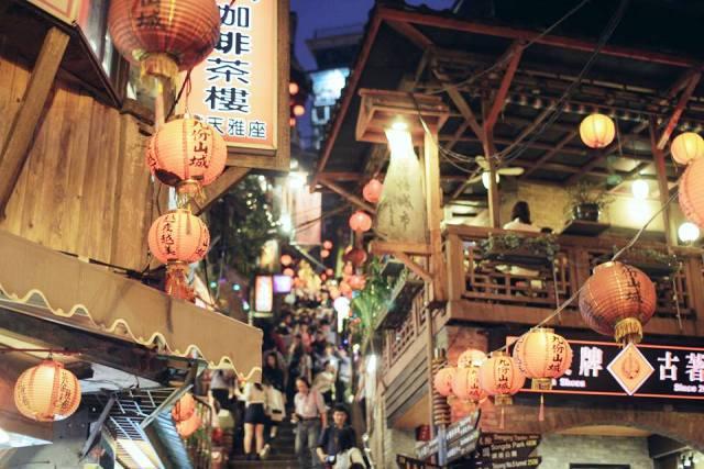 Không chỉ là điểm du lịch hấp dẫn, làng Jiufen còn là nơi lưu giữ nhiều nét đẹp văn hóa truyền thống của người dân Đài Loan. (Ảnh: Minh Trí)