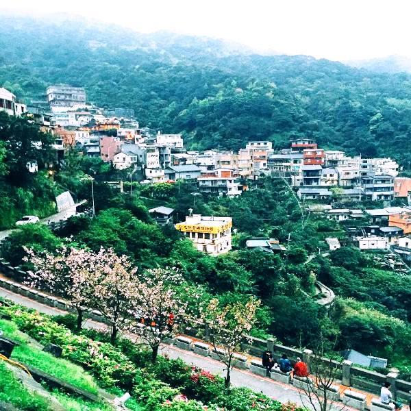 Vì nằm trên sườn núi nên làng Jiufen sở hữu vẻ đẹp hết sức lãng mạn. (Ảnh: Minh Trí)