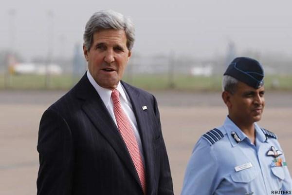 Ngoại trưởng John Kerry trong chuyến công du tới Ấn Độ (Ảnh: Reuters).