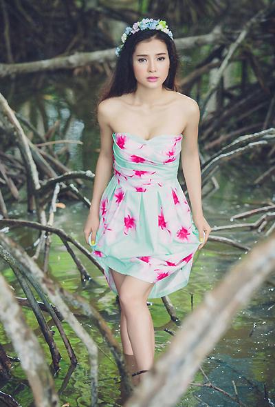 Jolie Phương Trinh nói cô yêu sớm và có nhiều kinh nghiệm trong tình yêu.
