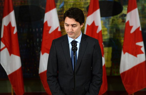 Thủ tướng Justin Trudeau của Canada cho biết Canada sẽ hỗ trợ Pháp sau cuộc tấn công khủng bố kinh hoàng tại Paris. (Ảnh: Sean Kilpatrick/CP, Associated Press)