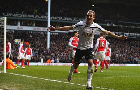 Kane tỏa sáng với cú đúp bàn thắng vào lưới Arsenal