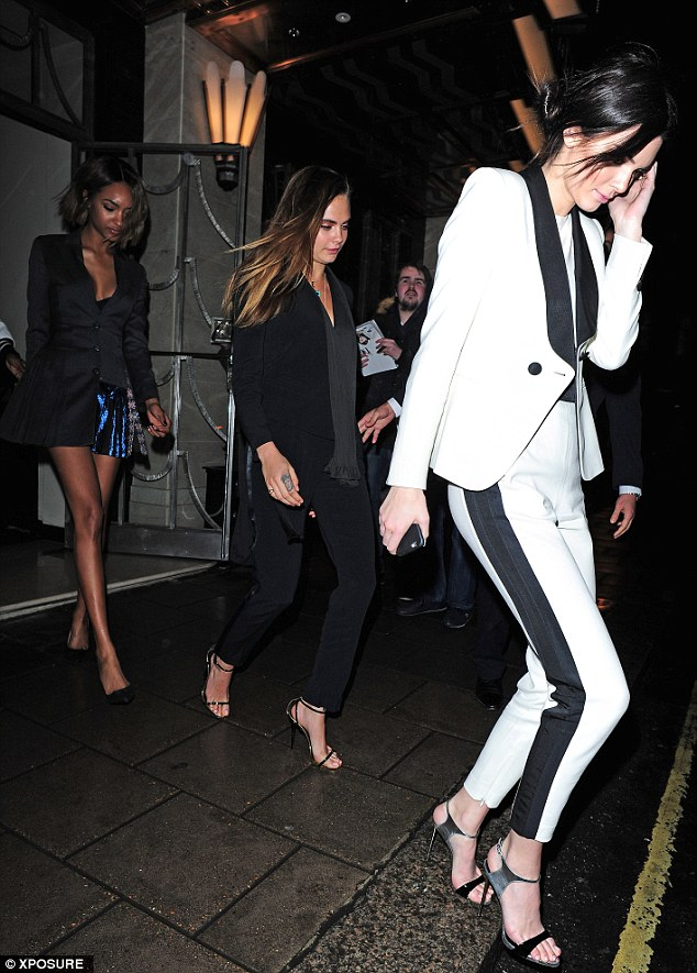 Vì là đôi bạn thân nên hai siêu mẫu này thường xuyên xuất hiện cùng nhau tại nhiều sự kiện thời trang đáng chú ý.