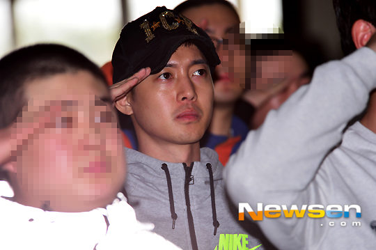 Kim Hyun Joong trong ngày nhập ngũ