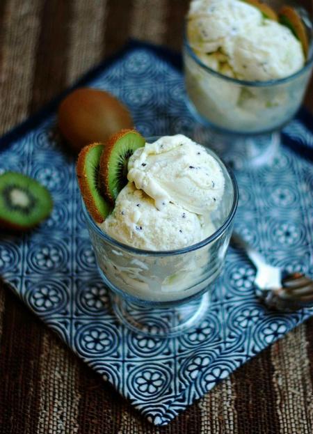 Hỗn hợp kem tươi và Kiwi thơm mát