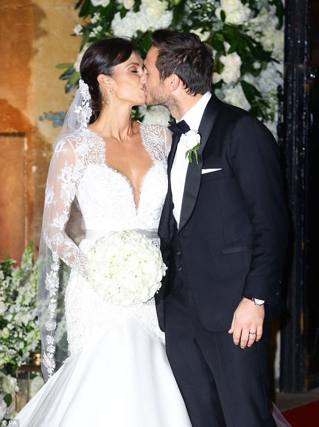 Anh và bà xã Christine Bleakley đã đính hôn từ 4 năm trước.