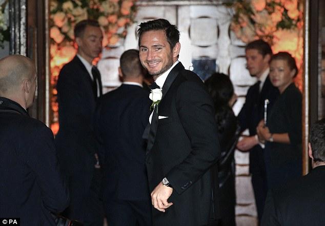 Lampard hạnh phúc trong ngày trọng đại của cuộc đời.