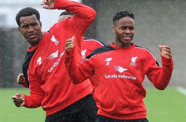 Sterling đang tìm cách phá thối, tuy nhiên, Liverpool vẫn giữ im lặng.