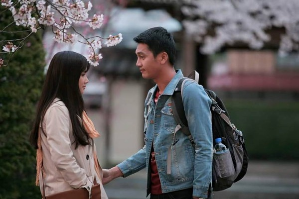 Nhã Phương và Quang Tuấn trong một cảnh quay của phim Khúc hát mặt trời.
