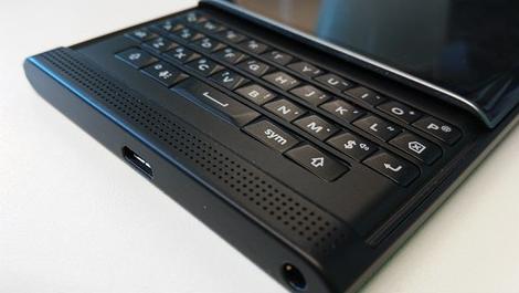 Bàn phím của BlackBerry Priv hỗ trợ cảm ứng tương tự như bàn phím của siêu phẩm BlackBerry Passport