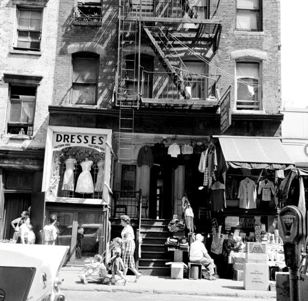 Khách sạn Lower East Side thập niên 50.