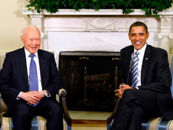 Tổng thống Obama gặp gỡ ông Lý Quang Diệu tại Nhà trắng vào năm 2009 (ảnh: AP)