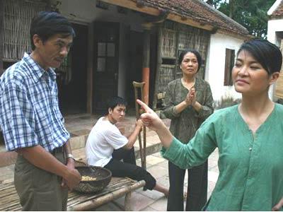 Các diễn viên trong phim Ma làng