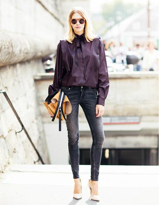 Những chiếc áo kiểu nãy vẫn dễ dàng kết hợp được cùng quần jeans.