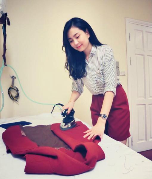 Với tính cách của mình, Mai Ngọc cũng thường hay chọn những trang phục thể hiện nét nữ tính, điệu đà.